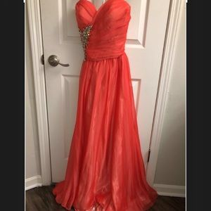 Stunning coral gown.